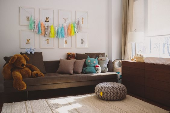 Lounge area of this modern gender neutral #nursery