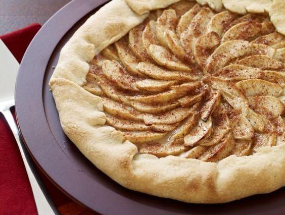 A Crispy Twist on Tradition: Rustic Apple Tart. #baking #recipe