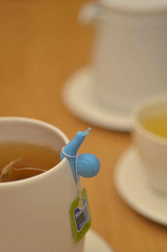 """Lesminhas"" de silicone para marcar o copo, segurar chá..."