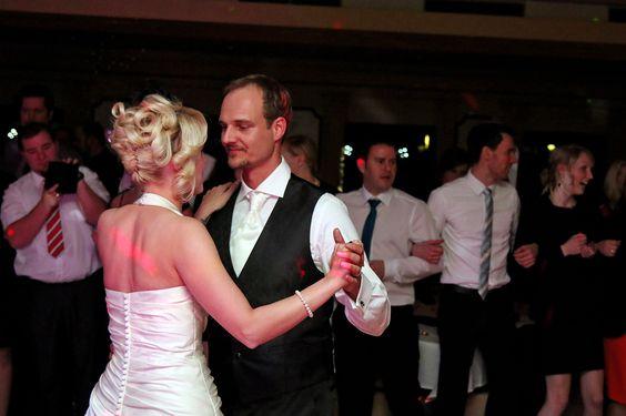 Brautpaar beim Brautwalzer