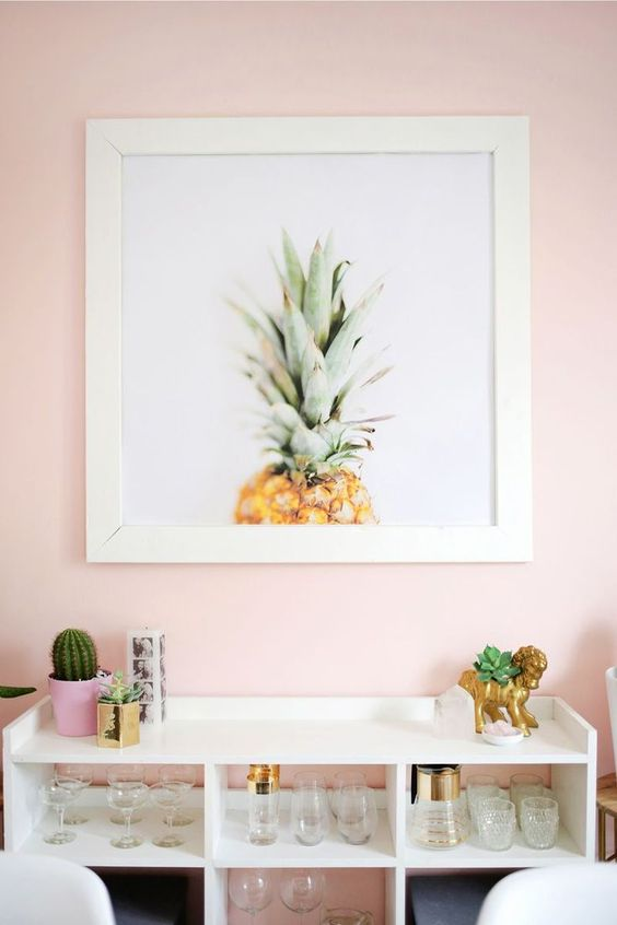 Pineapples everywhere. @thecoveteur:   MONDAY INSPIRATION: Décor from the 60's that inspire us ac1637e97fa64eee7b163ab39e73524d
