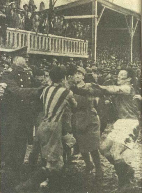 FOTOS HISTORICAS O CHULAS  DE FUTBOL - Página 2 Ac174bc78d97bfcf6348b60e6a629725