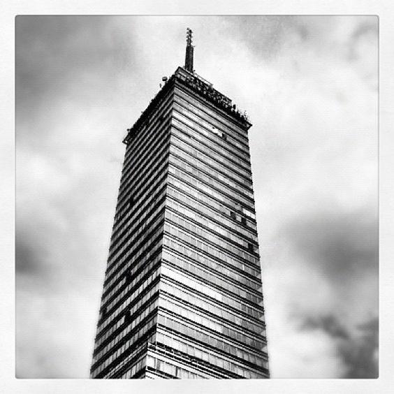 La Torre Latinoamericana, el primer rascacielos de México