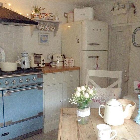 Country Kitchen Fridge: Cottage Kitchen With Smeg Fridge And Blue Stove
