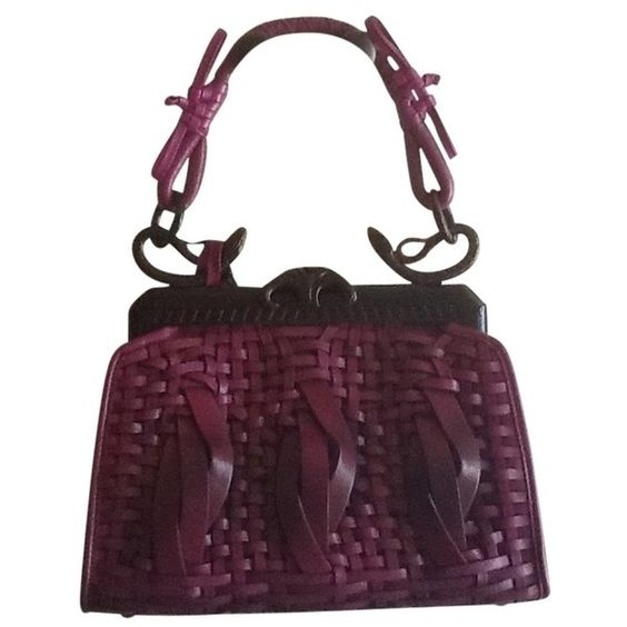 Pre-owned D1101428 Purple Ombre Satchel ($5,820) ❤ liked on Polyvore featuring bags, handbags, purple ombre, preowned handbags, woven handbag, satchel bags, satchel handbags and purple purse