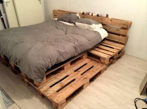 Best Diy Pallet Bedroom Design Ideas 46 Decoria Net Lit En Palette Cadre De Lit Palette Idees De Meubles
