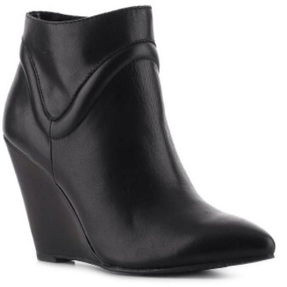 Black Seychelles Wont Wait Wedge Ankle Boot Black Seychelles Wont Wait Wedge Ankle Boot Seychelles Black Booties, wedge, leather, EUC, size 6.5 They are selling for $150 at anthropologie. Seychelles Shoes Ankle Boots & Booties