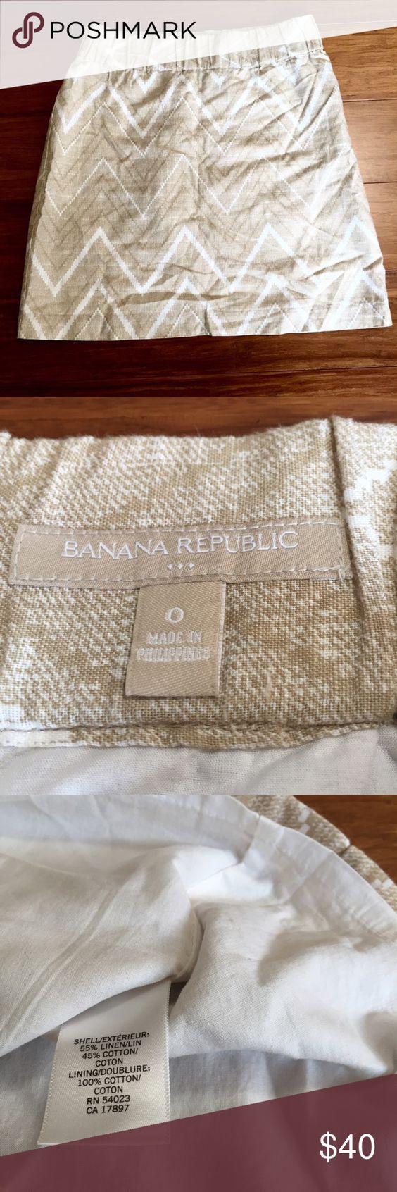 "Chevron Linen Mini Skirt Linen/Cotton blend. 14"" waist flat across, 19"" hips flat across, 18"" length. Lined. EUC No rips or stains.  ✳️Ask about custom bundles for better discount. Offers welcome✳️ Banana Republic Skirts Mini"