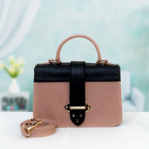 حقيبة نسائية من الجلد عالي الجودة لون وردي فاتح والأسود أنيق وجذاب غاية في الشياكة Bags Top Handle Bag Fashion