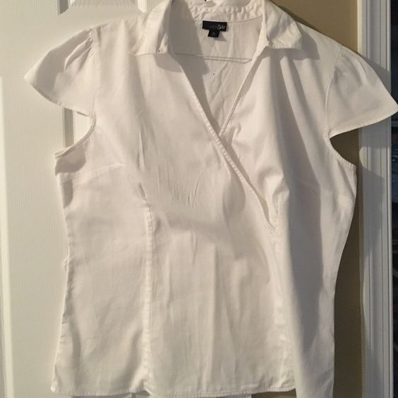 White shirt White, short sleeve, collared, gently worn East 5th Tops Blouses