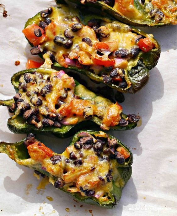 STUFFED ROASTED POBLANO PEPPER ~ Mexican food at it's best! Great ingredients treated simply in a vibrant harmony of tastes. When your appetite calls for Mexican food, nothing beats this quick snack. Thinking of lunch,add some rice or a light green salad. This is a naturally gluten free vegetarian recipe. Disfruta!