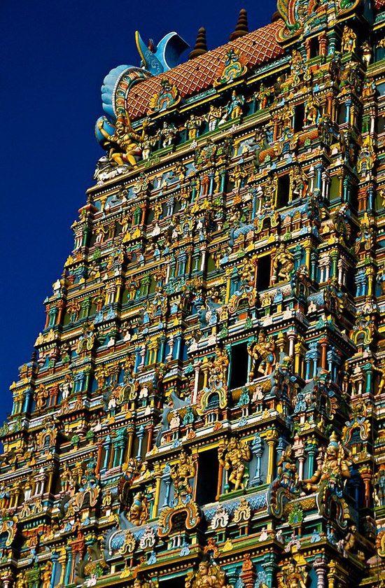 Devotion. Sri Meenakshi Temple (This Hindu temple is dedicated to Shiva and his consort Parvati), Madurai, Tamil Nadu, India.