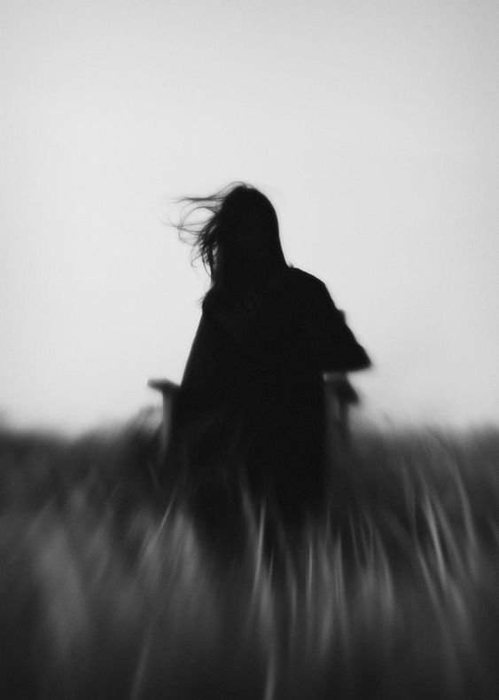 Black & White Photography Inspiration : Hengki Lee - Photography Magazine |  Leading Photography Magazine, bring you the best photography from around  the world | White aesthetic photography, Silhouette photography, Black and  white aesthetic