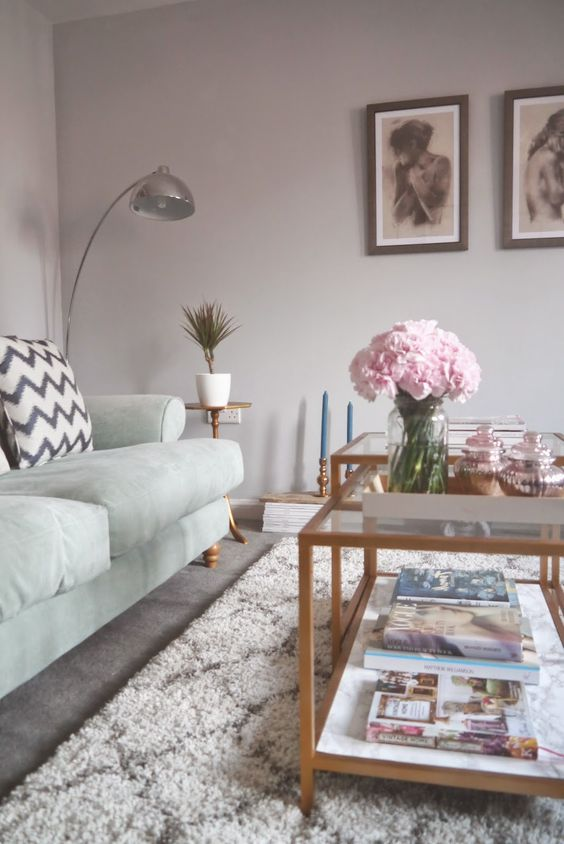 Ikea hack, DIY gold and marble coffee table using the VITTSJO nest