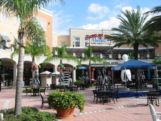 Channelside marketplace located in downtown tampa for Select motors of tampa tampa fl