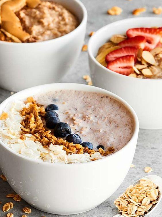 Overnight Oats Recipe 3 Ways! 1. Peanut Butter Honey Banana 2. Blueberry Greek Yogurt (no banana) 3. Vegan Strawberry Banana. All healthy, easy & delicious! http://showmetheyummy.com #overnightoats #healthybreakfastrecipe