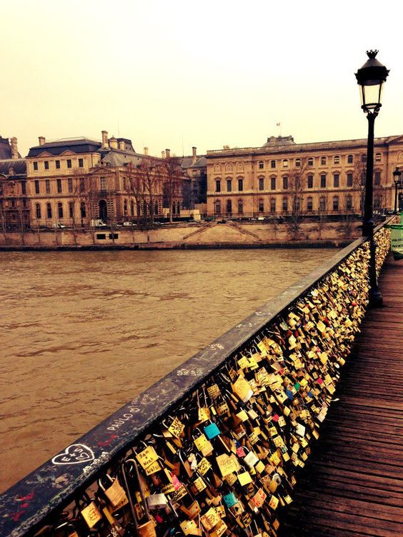 Pinterest the world s catalog of ideas for Love lock bridge in paris