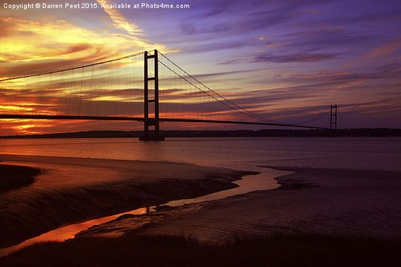 Humber bridge at a bright summer sunset. sundown photo.