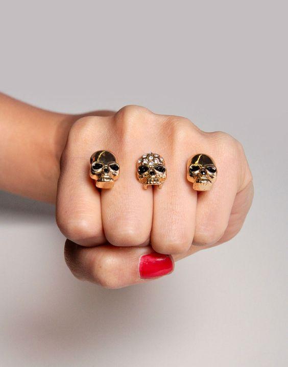 Triple Skull Ring
