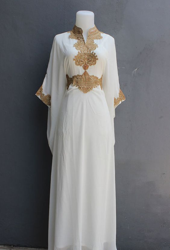 This is Moroccan Sheer Chiffon Kaftan Maxi Dress Made From Super Chiffon Quality. For those of you who want to wear kaftan is the recommended to use an