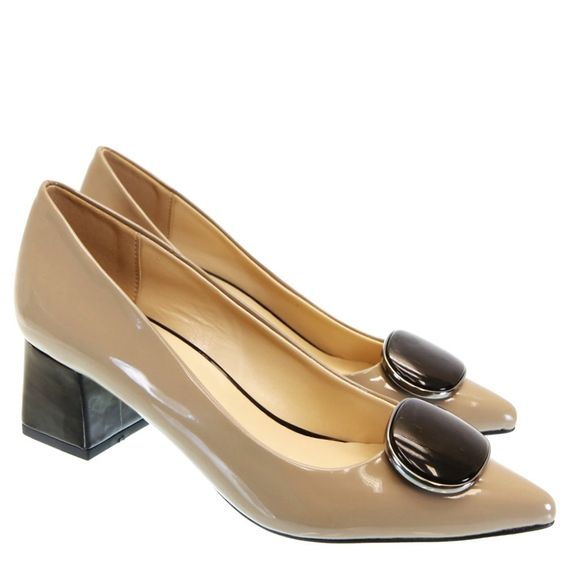 38 Slow Heels That Will Make You Look Fabulous shoes womenshoes footwear shoestrends