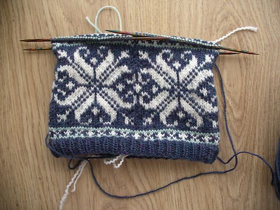 Knitting Pattern For Norwegian Hat : Norwegian Fairisle Snowflake Hat pattern by Tim Doran Hats - knitted and so...