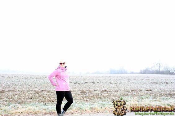 Ein Traum in lila ... zeige ich euch heute auf dem Blog. Viele von euch haben die #Weihnachtsgeschenke ja schon gezeigt ich fange jetzt erst an. Aus Zeit und Planungsgründen. Den Anfang macht die schöne #Lynn von @pattydooblog für die #besteSchwiegermamaDerWelt! Der Entstehungsprozess und die liebevollen Details im genauen Bericht auf dem Blog.  Zum Beitrag  #linkinbio