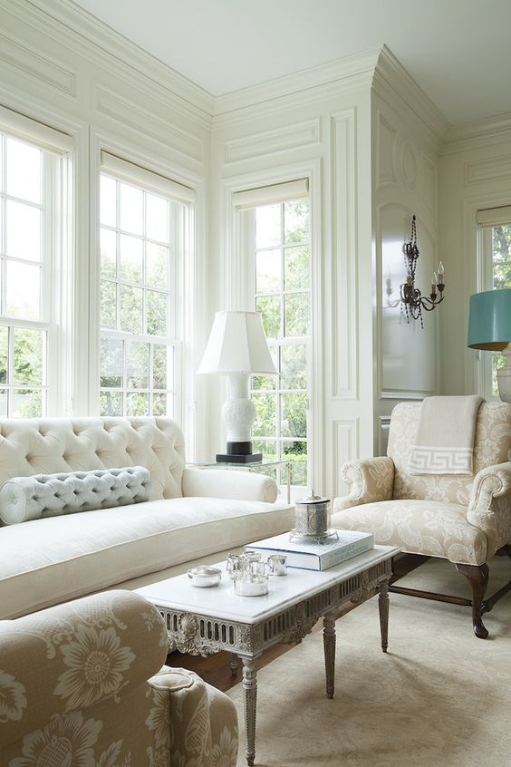 Beautiful neutral Living Room of a Colonial style home in California