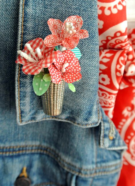 Washi tape flowers from @catheholden.  So sweet!