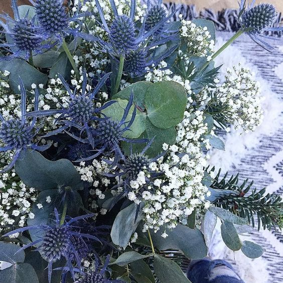 Ambiance de Noël jusqu'au bouquet...  #soko #home #sokohome #homedecor #homesweethome #homemade #flowers #hiver #noel #christmas #love #lifestyle #scandinave #instagood #interiordesign #interior #deco #decoration #december #design #