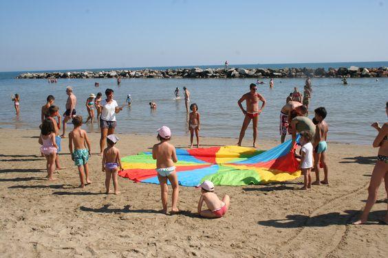 Giochi in spiaggia a #Rimini.