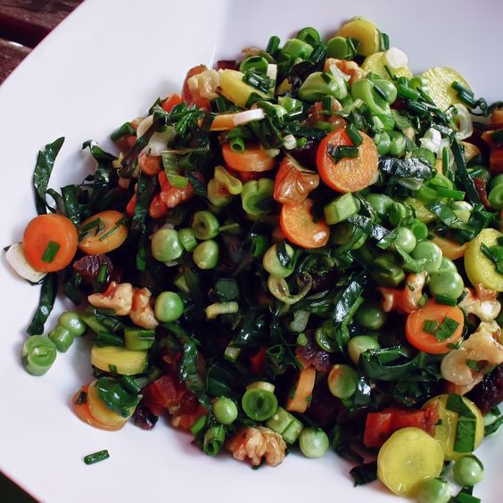 mixed diced vegetables of the crocodile by Chlorophylle en Lémurie intérieure # raw, vegan