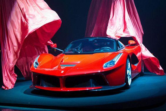 Ferrari LaFerrari http://sixt.info/sixtfleet_14