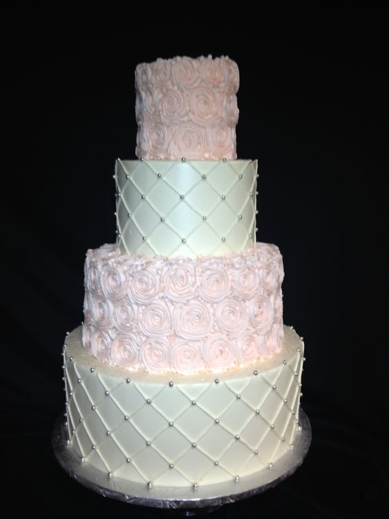 Pink roses, Quilting and Wedding cakes on Pinterest