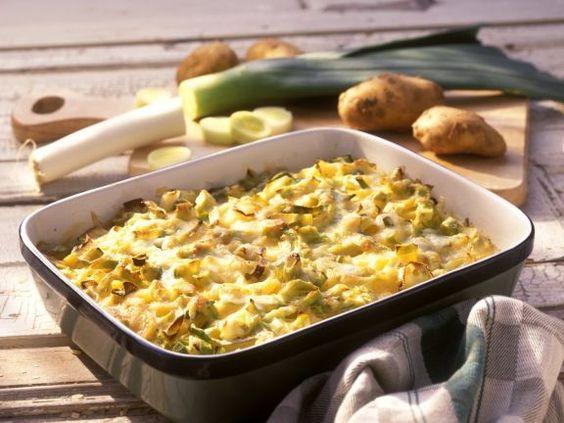 Kartoffelgratin mit Lauch ist ein Rezept mit frischen Zutaten aus der Kategorie Wurzelgemüse. Probieren Sie dieses und weitere Rezepte von EAT SMARTER!