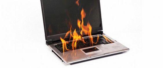 كيف تحل مشكلة سخونة اللابتوب المرتفعة اذا كان الكمبيوتر المحمول يسبب لك العديد من المشكلات مثل الإيقاف المفاجئ والبطء في تلقي الأوامر وتنفيذها، فهذا غالباً يحدث بسبب ارتفاع درجة حرارة الجهاز، وقبل أن تقوم بصب جام غضبك على الكمبيوتر نفسه، يجب أن تعلم أن عملية ال