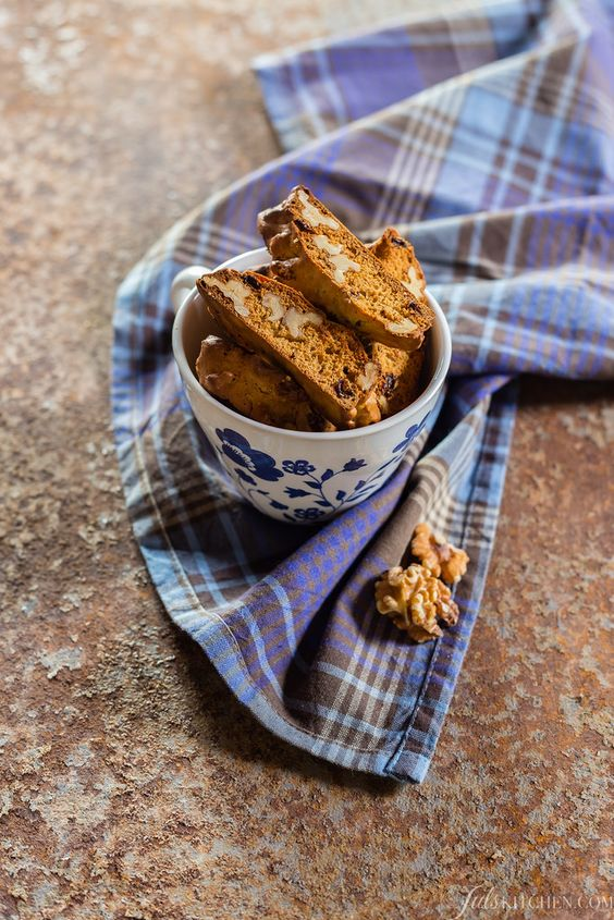 Cantucci di avena con miele e noci - Oat biscotti with honey and walnuts