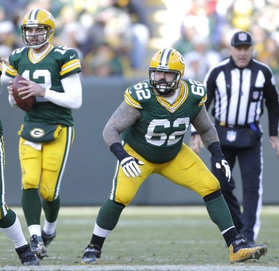 Center position wide open as Packers again shuffle o-line