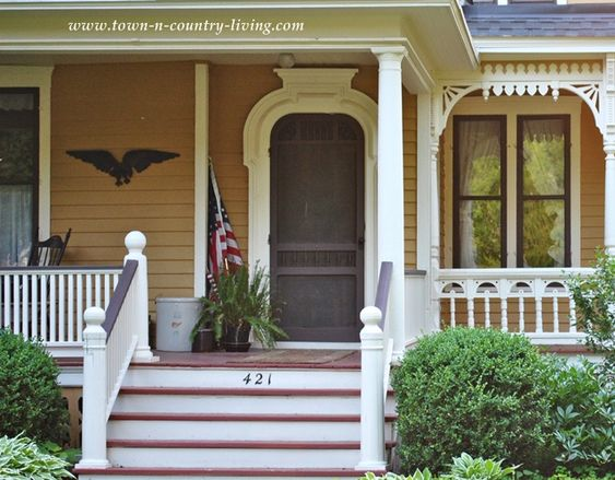 Ideas to create curb appeal and more victorian porch for Architectural gingerbread trim