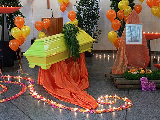 Fotogalerie Goedecke Bestattungen Blumen Zur Beerdigung Beerdigung Blumen Bestattung