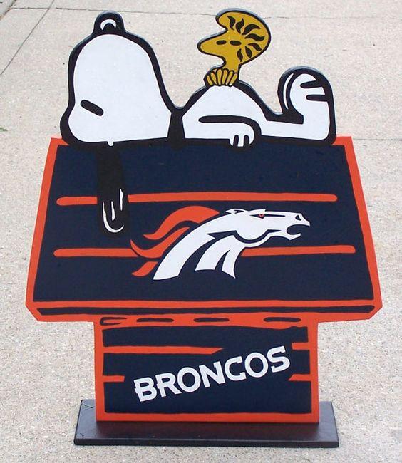 DENVER BRONCOS Snoopy Peanuts Wood Decor Sign, DOGHOUSE