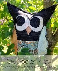 Resultado de imagen para elaine smith outdoor pillow
