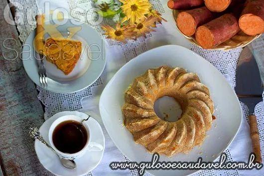 #BomDia! Quer deixar seu café da manhã ainda mais gostoso?  Que tal fazer este delicioso Bolo de Batata Doce? Ótimo fds para todos!   #Receita aqui => http://www.gulosoesaudavel.com.br/2014/07/18/bolo-batata-doce/