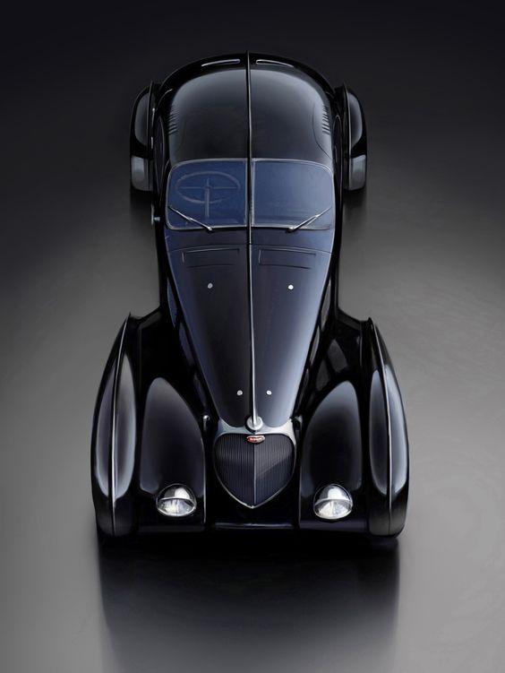 Foto Exteriores (4) Bugatti Legend classic cars coches. Black negro