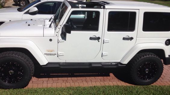 all white jeep wrangler 2014 unlimited sahara 4 door jeep pinterest sexy the black and. Black Bedroom Furniture Sets. Home Design Ideas