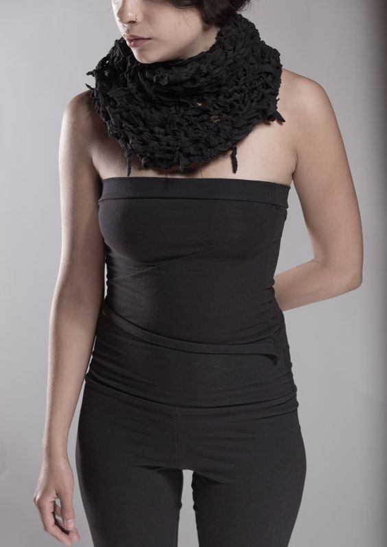 Mortuus Infinitum crochet infinity scarf by RavenChantDesigns
