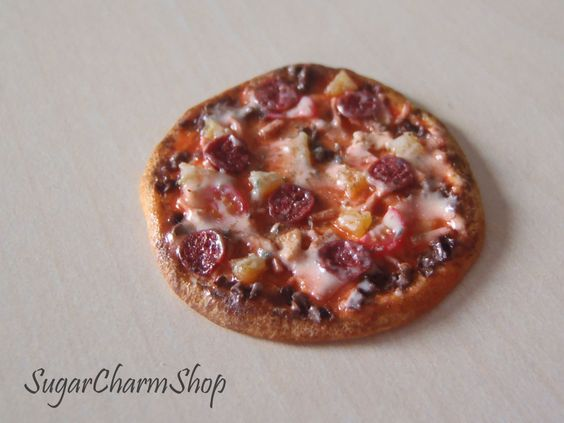 Pizza - 1:12 Scale Dollhouse Miniature