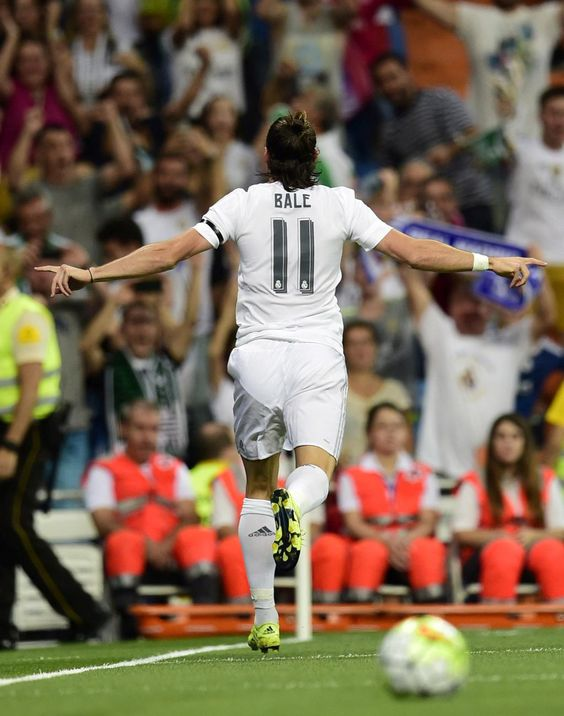 Gareth Bale Real Madrid www.classicfootballshirts.co.uk
