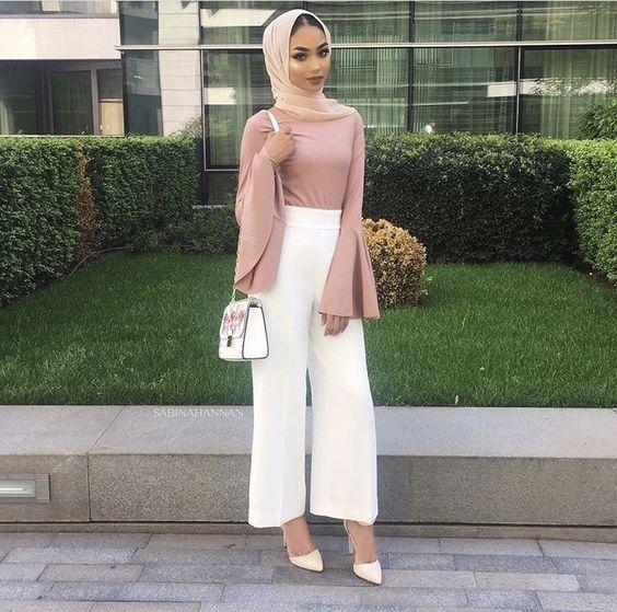 Обичайте тази цветова комбинация, въпреки че горната част е доста нестабилна, за да се смята за hijaab.