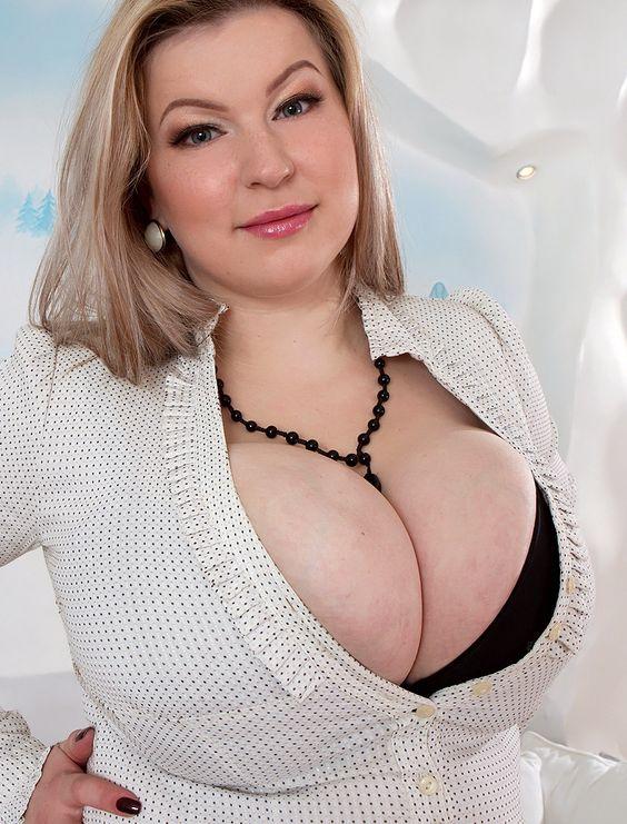 gorgeous big tits tits videos : TIT-BIT :